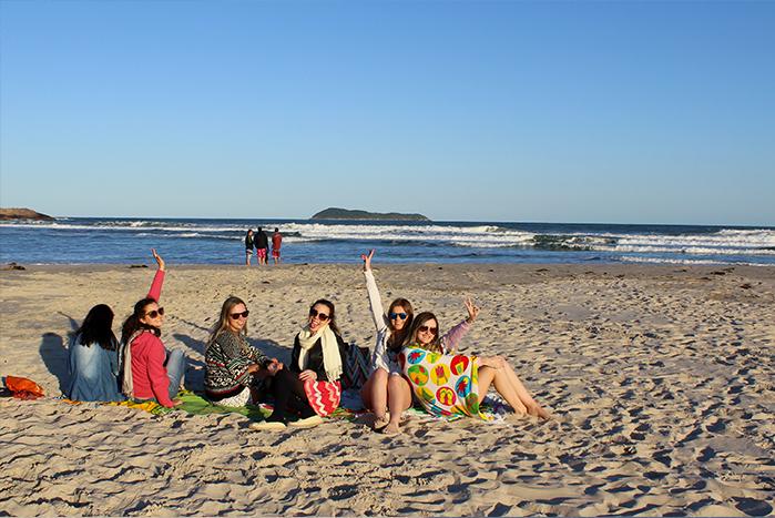 h-viajando em 3..2..1.. - guarda do embaú - o que fazer na guarda- esportes-surfe-stand up - restaurantes- por do sol- praia