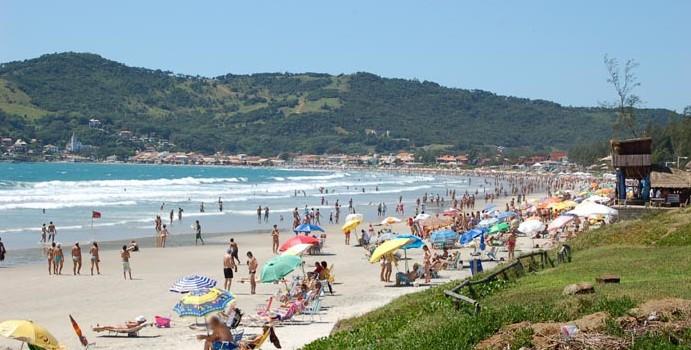 Praia de Garopaba - Foto: litoraldesantacatarina.com.br