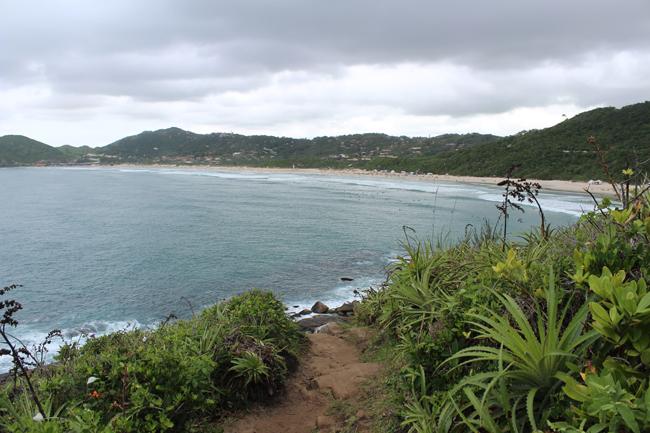 11-blog-viajando-em-321-como-fazer-a-trilha-da-praia-vermelha-praia-do-rosa-santa-catarina