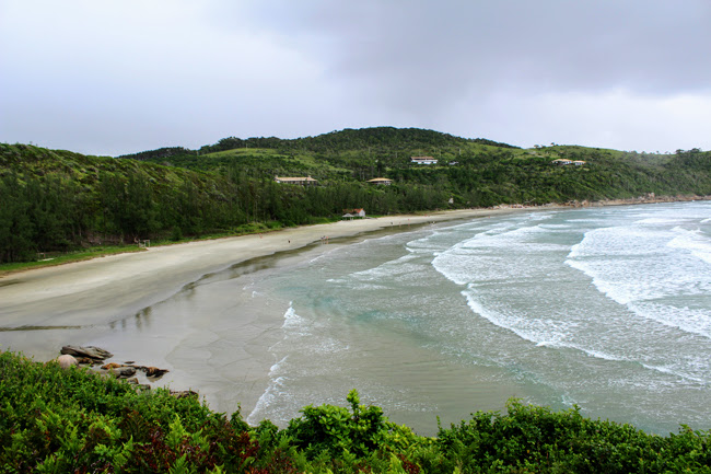 21-blog-viajando-em-321-como-fazer-a-trilha-da-praia-vermelha-praia-do-rosa-santa-catarina