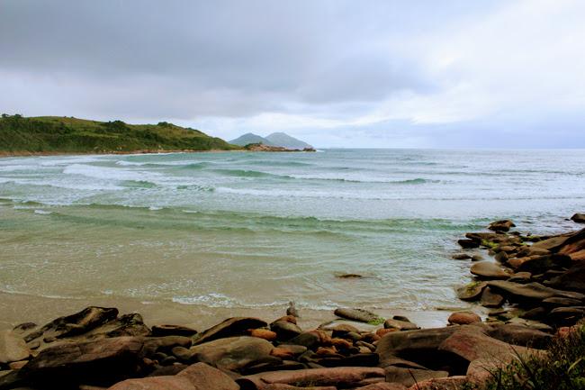 22-blog-viajando-em-321-como-fazer-a-trilha-da-praia-vermelha-praia-do-rosa-santa-catarina